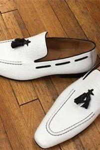 Handmade Men White leather slip ons loafer shoes, Men tassels shoes moccasins